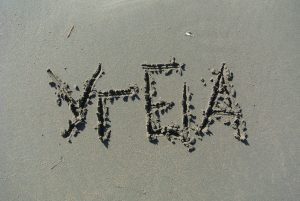 """""""υγεία"""", γραμμένο στην άμμο"""